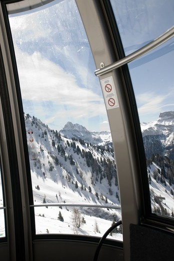 Stock Photo: 4401R-6554 View from a cable car, Italy.