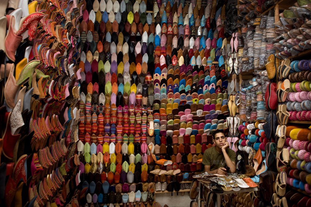 Stock Photo: 4402-3284 Shoe seller in the Djemaa el Fna souq, Marrakech, Morocco