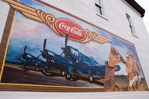 Stock Photo: 4404-1386 USA, Illinois, Pontiac, Mural advertisement