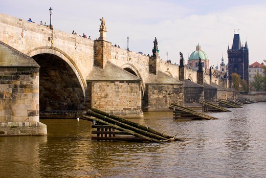 Stock Photo: 4404-1443 Czech Republic, Prague, View of Charles Bridge and Vltava river