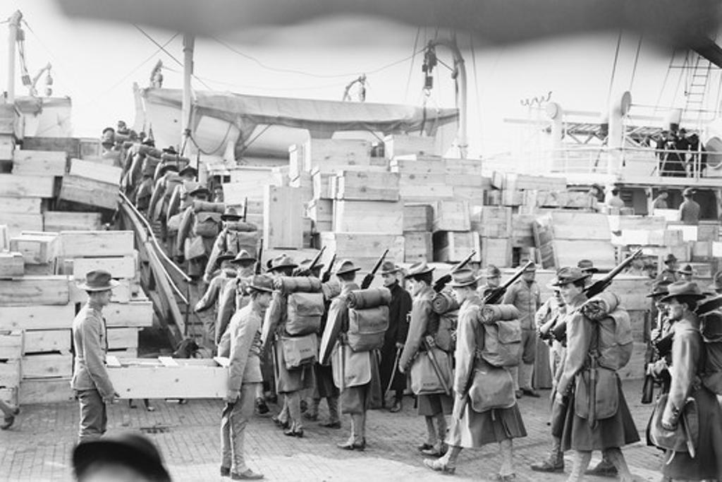 Stock Photo: 4408-14302 Marines to Guantanamo, Spanish American War