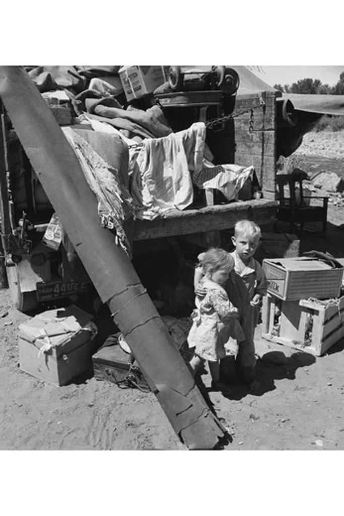 """Migratory children living in """"""""Rambler's Park."""""""" , Dorothea Lange : Stock Photo"""