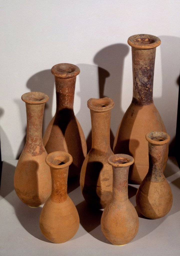 ESENCIEROS ROMANOS. Location: MUSEO DE CADIZ-ARQUEOLOGIA, CADIZ, SPAIN. : Stock Photo