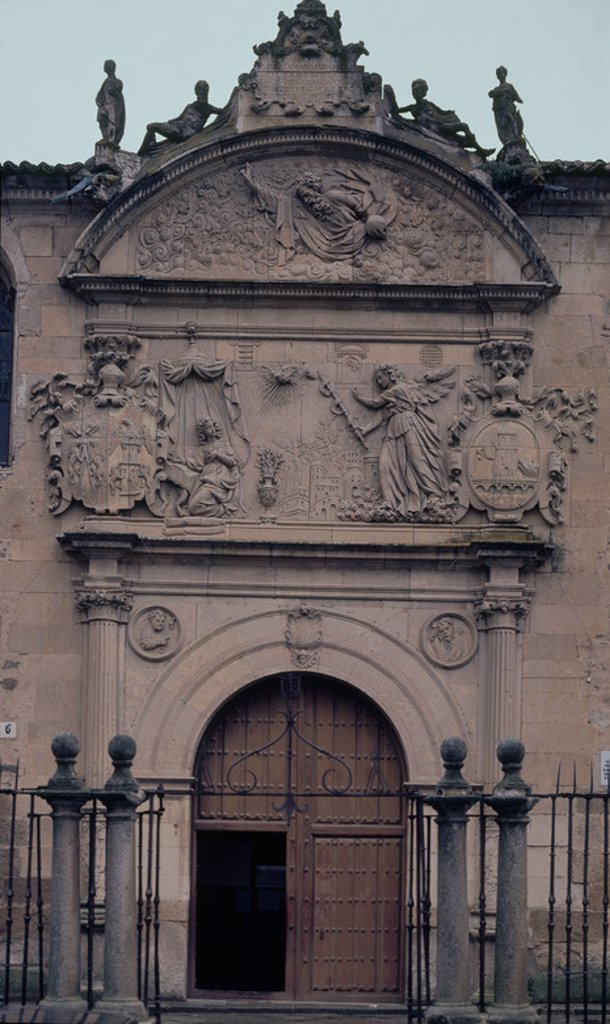 Stock Photo: 4409-12380 EXT-FACHADA MANIERISTA DEL CONVENTO CARMELITA FUNDADO EN 1571 POR STA TERESA DE JESUS. Author: REPULLES Y VARGAS ENRIQUE. Location: CONVENTO DE LA ANUNCIACION, ALBA DE TORMES, SPAIN.