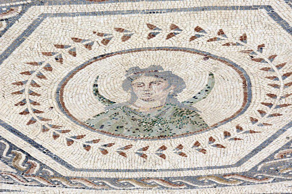 Stock Photo: 4409-133840 ARTE ROMANO. ESPAÑA. ITALICA. Ciudad fundada hacia 206 a. C., por iniciativa de Cornelio Escipión. Mosaico del Planetario. Representación de Selene (la Luna), una de los sietes dioses asociacos a los astros que regían el Universo, asociada a la magia y mundo femenino. (Lunes) Santiponce. Provincia de Sevilla. Andalucia.