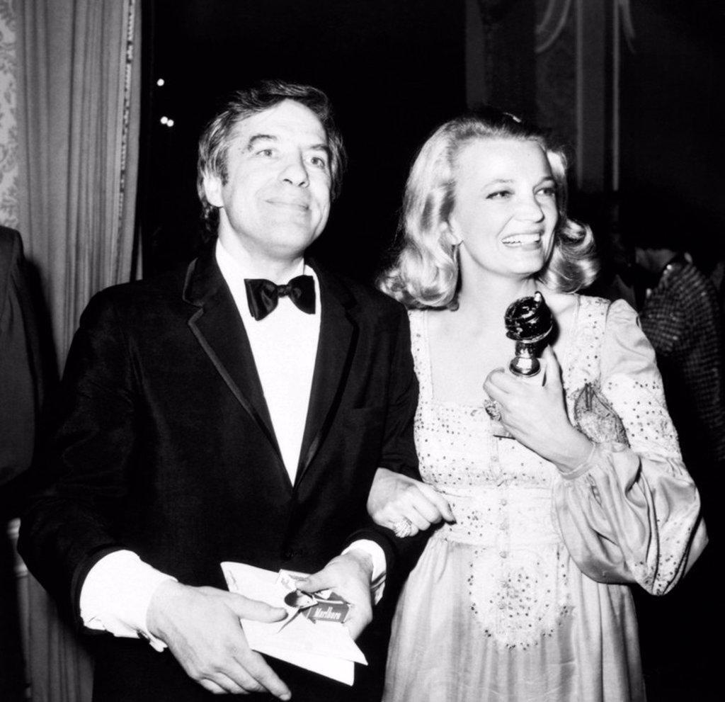 Stock Photo: 4409-154290 Description: Golden Globe Awards. Year: 1975. Stars: GENA ROWLANDS; JOHN CASSAVETES.