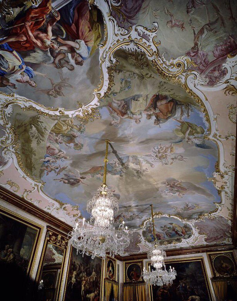Decoracion del techo del comedor de gala del palacio de for Decoracion rococo