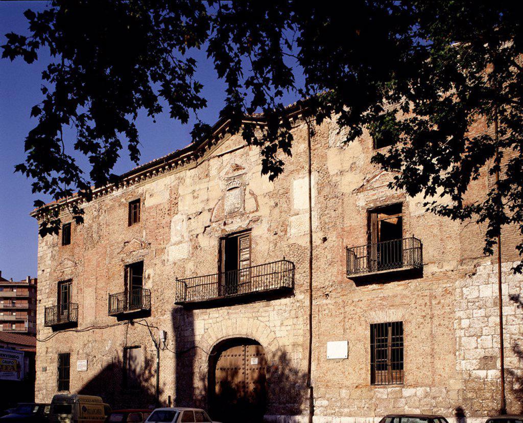 PALACIO DE LOS VIVERO - ANTIGUO TRIBUNAL DE JUSTICIA - AQUI SE CASARON LOS REYES CATOLICOS - S XV. Location: REAL CHANCILLERIA / BIBLIOTECA, VALLADOLID, SPAIN. : Stock Photo
