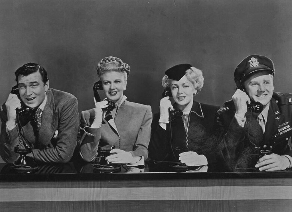"Stock Photo: 4409-21247 ESCENA DE LA PELICULA ""FIN DE SEMANA"" - 1945 - ALTER PIDGEON / GINGER ROGERS / LANA TURNER / VAN JOHNSON."