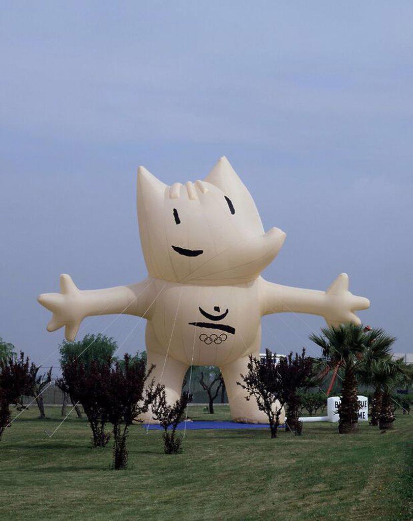 Muneco Hinchable De Cobi La Mascota De Los Juegos Olimpicos De