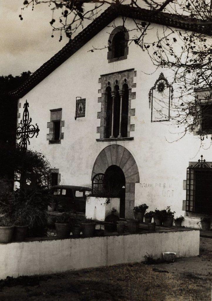 "Stock Photo: 4409-33055 Colonia infantil a Can Dorca ""Casal Català"", sita en Arenys de Munt (Maresme), en Marzo de 1938."