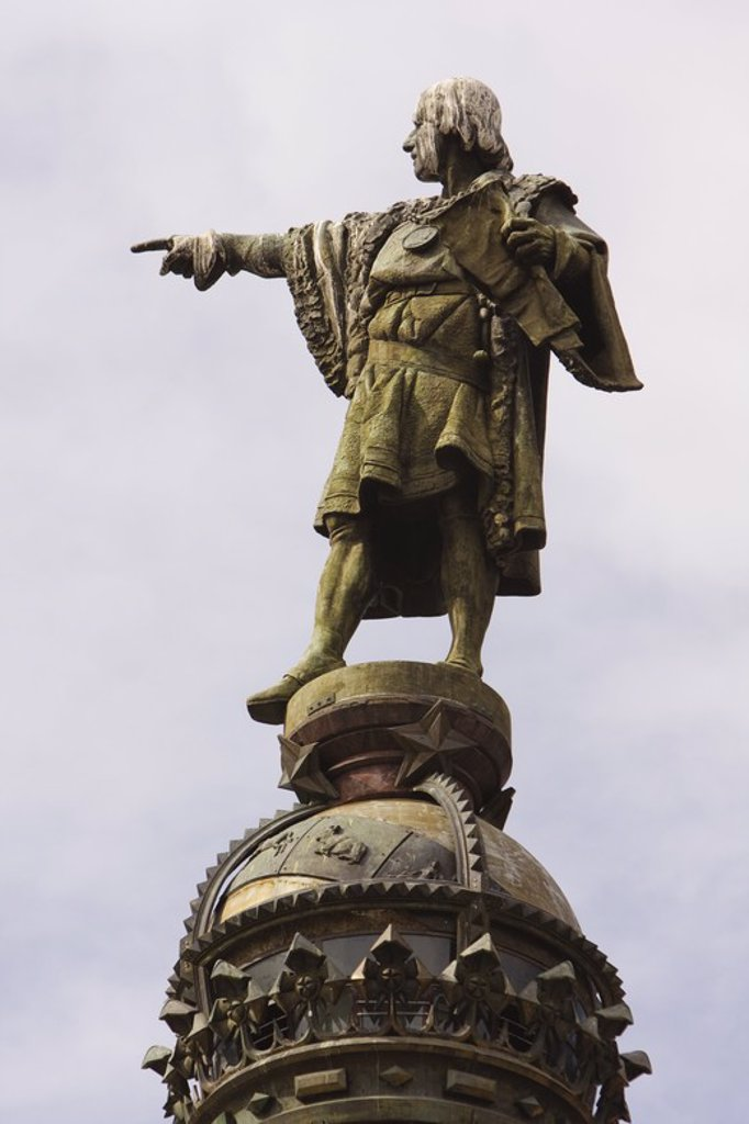 Stock Photo: 4409-34062 Cristobal Colon Statue. Port Vell district. Barcelona city. Spain.