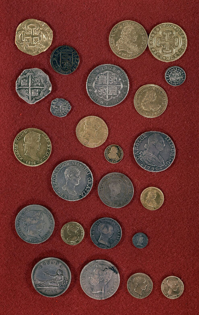 Stock Photo: 4409-3518 Money minted in Madrid from 1813 to 1890. Madrid, public museum. Location: MUSEO DE HISTORIA-NUMISMATICA, MADRID, SPAIN.