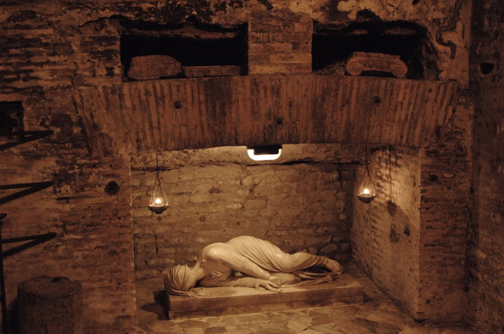 rome the catacombs essay The catacombs of rome (italian: catacombe di roma) are ancient catacombs, underground burial places under rome, italy, of which there are at least forty, some discovered only in recent decades.