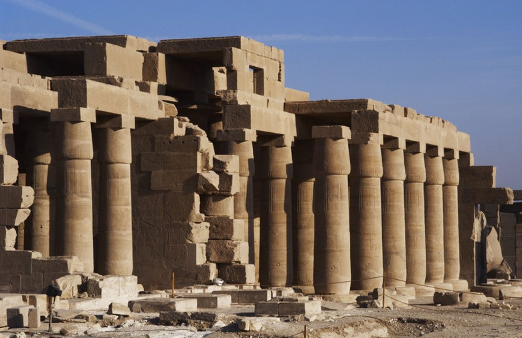 Stock Photo: 4409-37336 Ramesseum. Nineteenth dynasty. New Kingdom. 13th century B.C. Valley of the Kings. Luxor. Egypt.