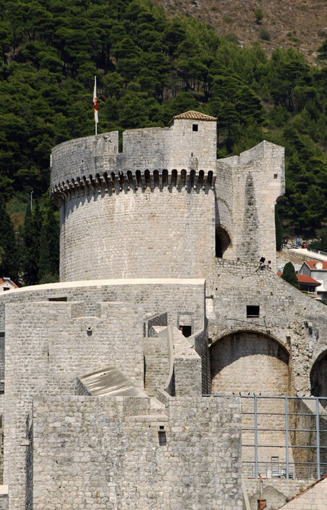 CROATIA. DUBROVNIK. Minceta tower designed by Michelozzi in 1461. : Stock Photo