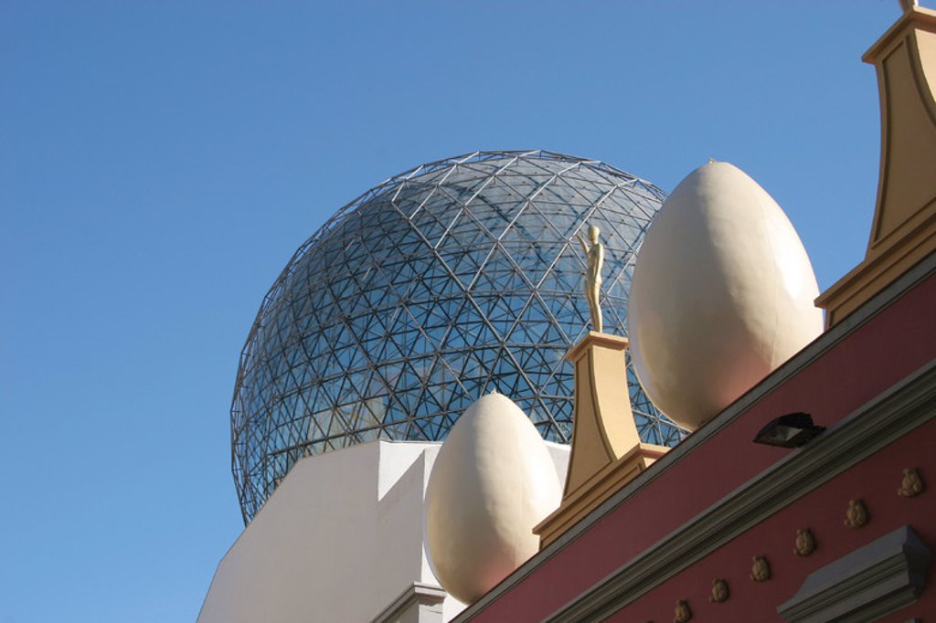 Stock Photo: 4409-39140 Dali Museum. Dome. Surrealism. Figueres. Catalonia. Spain.