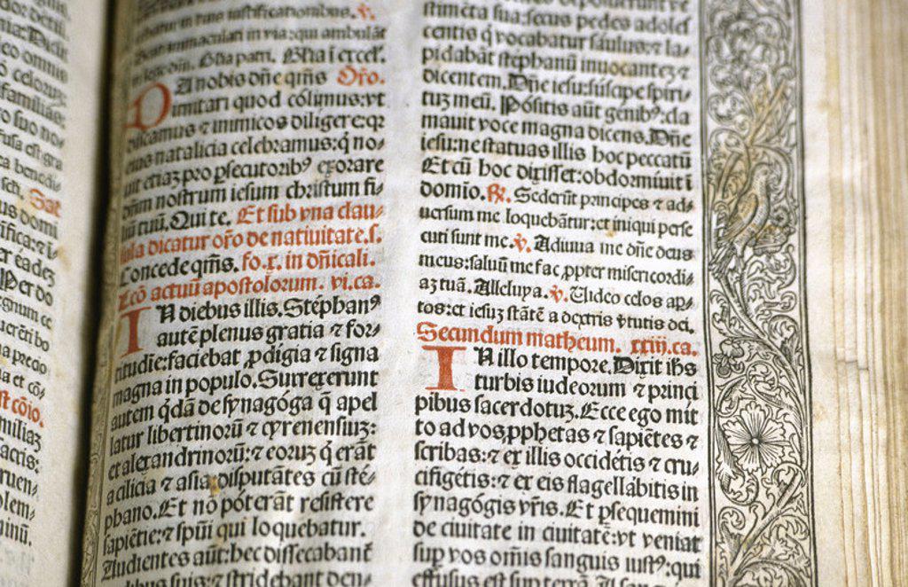 Stock Photo: 4409-39614 ARTE GOTICO. ESPAÑA. MISSALE TARRACONENSE. Incunable. Ejemplar en vitela. Letra gótica. Acabado de imprimir el 26 de junio de 1499, Tarragona. Colección particular.