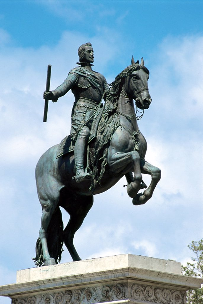 Stock Photo: 4409-41830 Philip IV of Spain (1605-1665). King of Spain and Portugal.  Monument of Philip IV. Equestrian statue by the Italian sculptor Pietro Tacca (1577-1640). Oriente Square. Madrid. Spain.