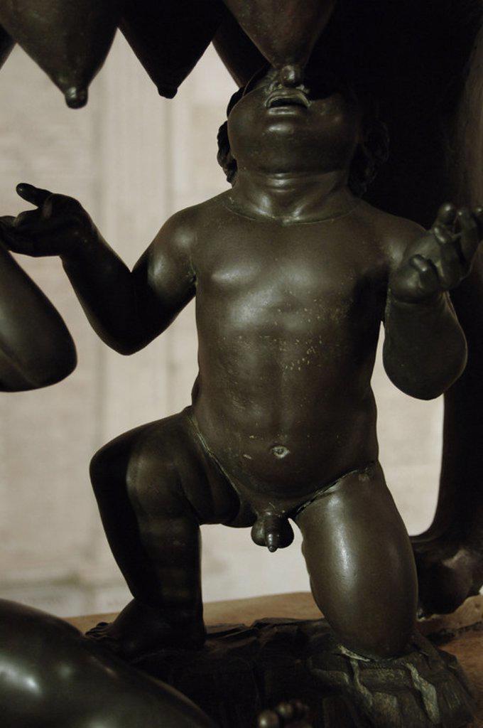 Stock Photo: 4409-42136 ARTE ETRUSCO. ITALIA. LOBA CAPITOLINA. Escultura realizada en bronce entre los siglos VI y V a. C. Representa a Rómulo y Remo siendo amamantados por la loba. Detalle. Museos Capitolinos. Roma.