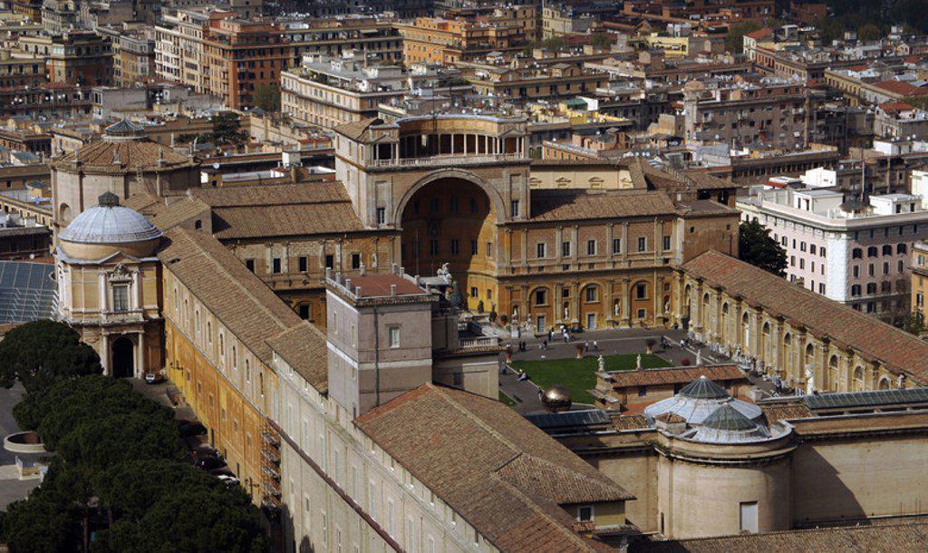 Stock Photo: 4409-42639 MUSEOS VATICANOS. Vista aérea del exterior. Ciudad del Vaticano.