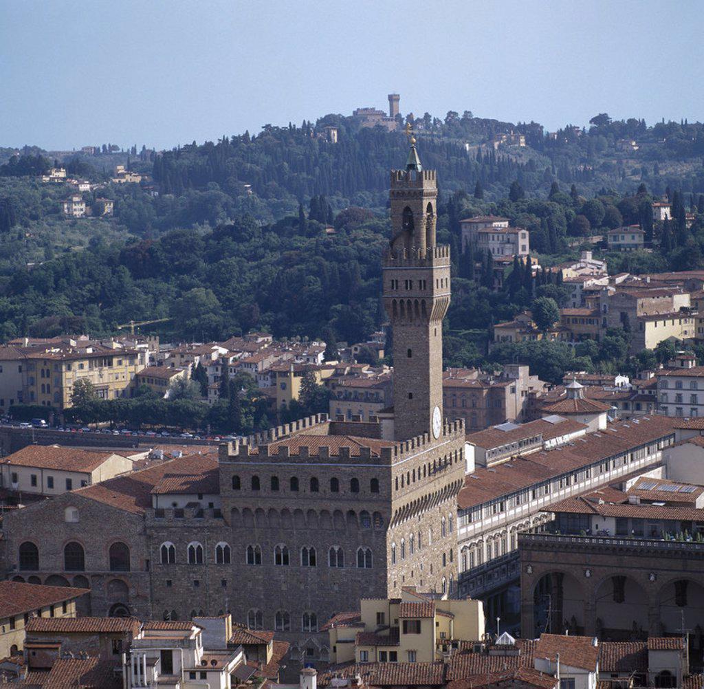 Stock Photo: 4409-43843 ITALIA. FLORENCIA. Panorámica del PALAZZO VECCHIO desde el Campanile del Duomo. Finalizado en el 1322, es modernamente la sede del Ayuntamiento. La Toscana.