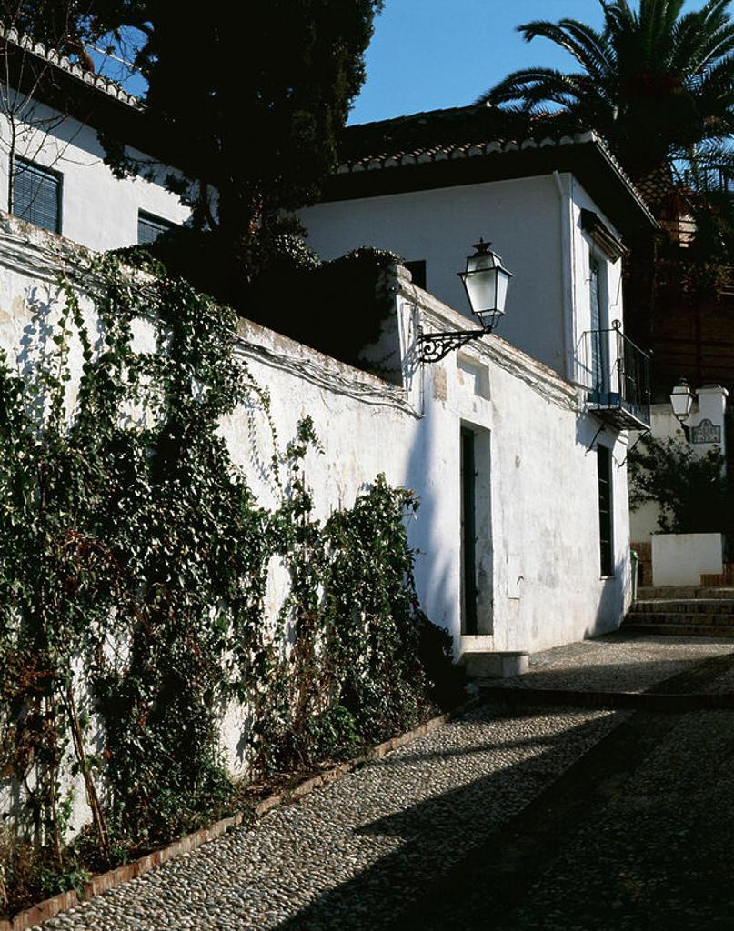 "Stock Photo: 4409-44322 FALLA, Manuel de (Cádiz, 1876-Alta Gracia, 1946). ""LA ANTEQUERUELA"". Vista exterior de la casa museo donde vivió el compositor. GRANADA. Andalucia. España."