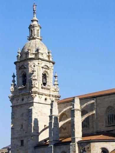 PAIS VASCO. BILBAO. Vista parcial de la IGLESIA DE SAN ANTON, templo gótico fechado a finales del s. XV. Provincia de Vizcaya. España. : Stock Photo