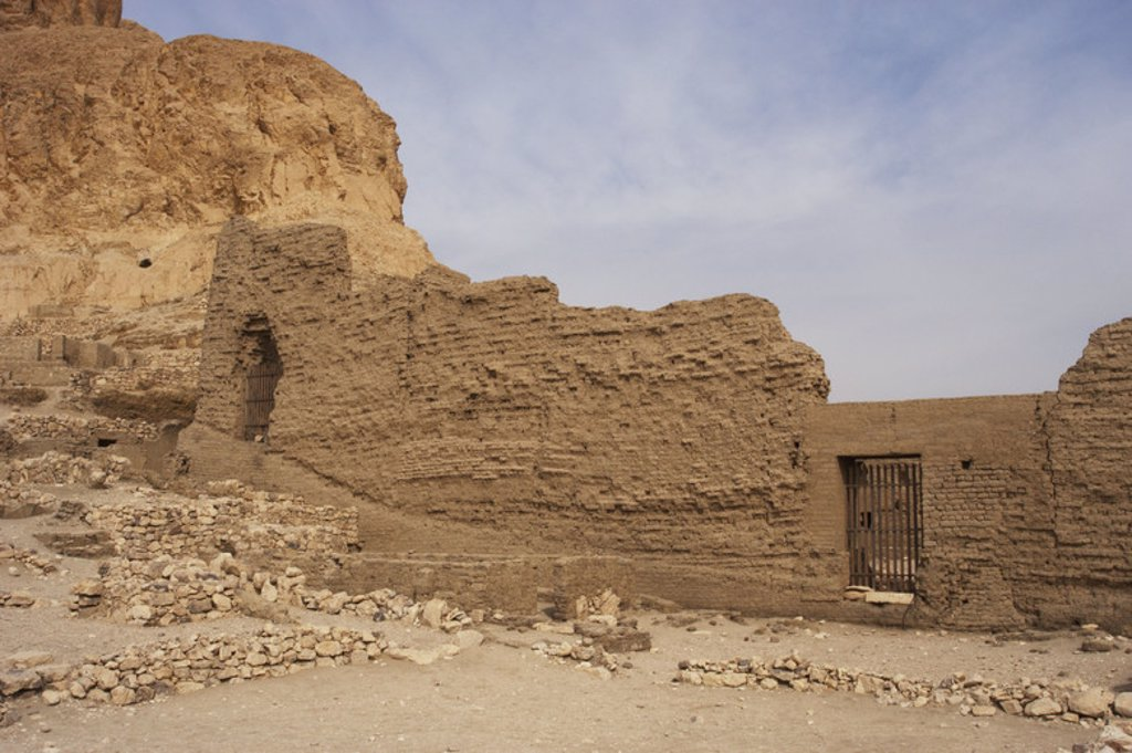 Valley of the Artisans. Ruins of Set Maat's settlement, home to the artisans who worked on the tombs in the Valley of the Kings during the 18th to 20th dynasties. New Kingdom. Deir el-Medina. Egypt. : Stock Photo