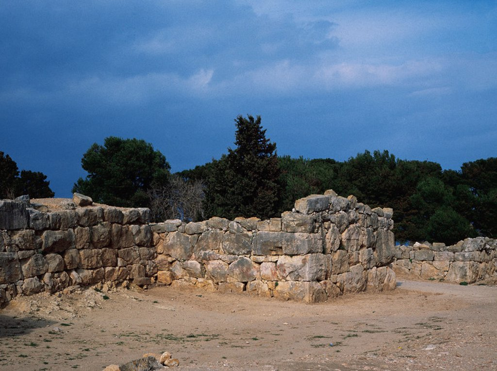 Stock Photo: 4409-46060 Spain. Catalonia. Ampurias (Emporiuon). Founded in 575 BC by greek colonists from Phocaea. Cyclopean walls.