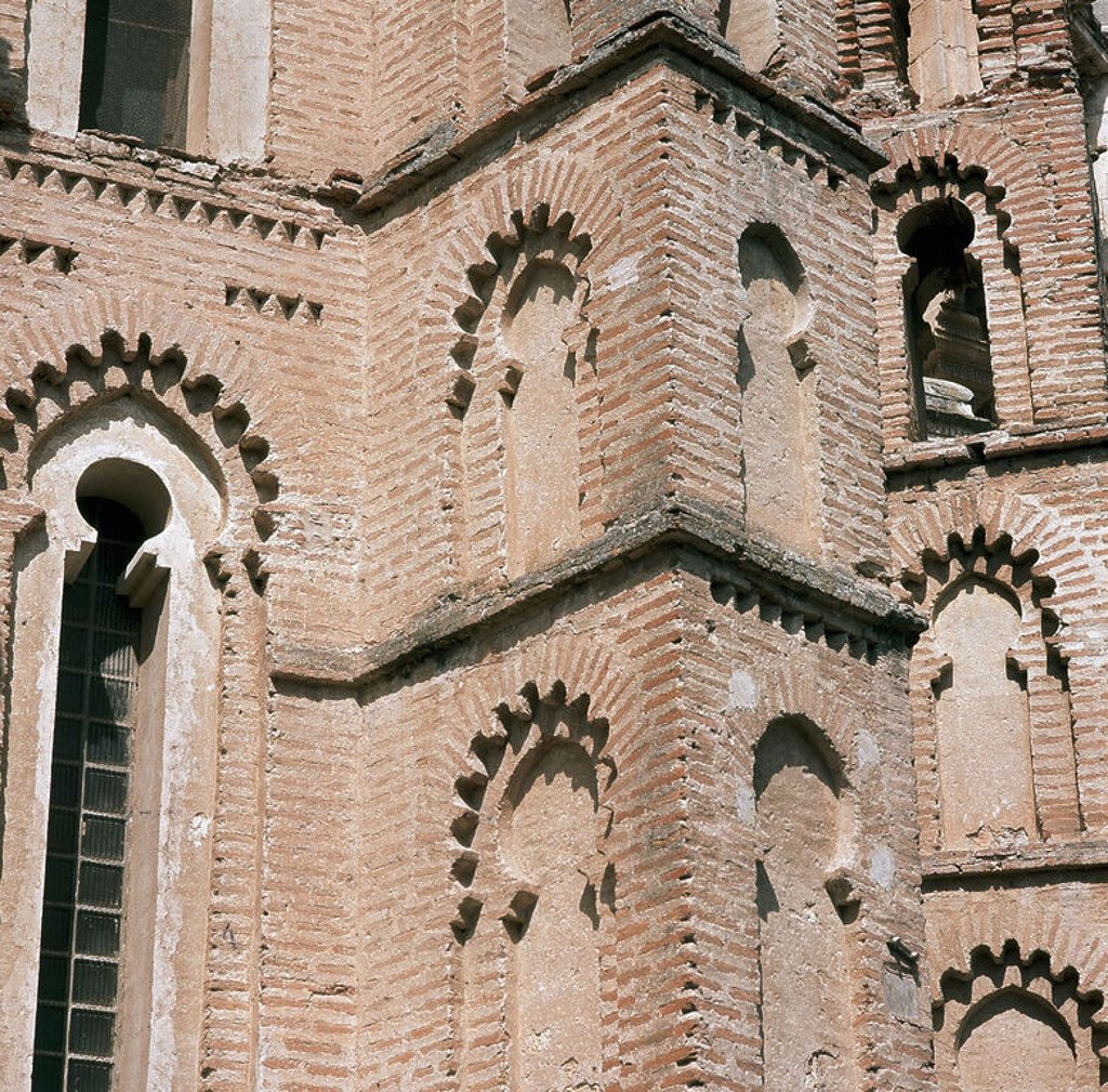 Stock Photo: 4409-46635 Spain. Penafiel. Monastery of Saint Paul. 14th century. Gothic - mudejar. Apse. Detail.