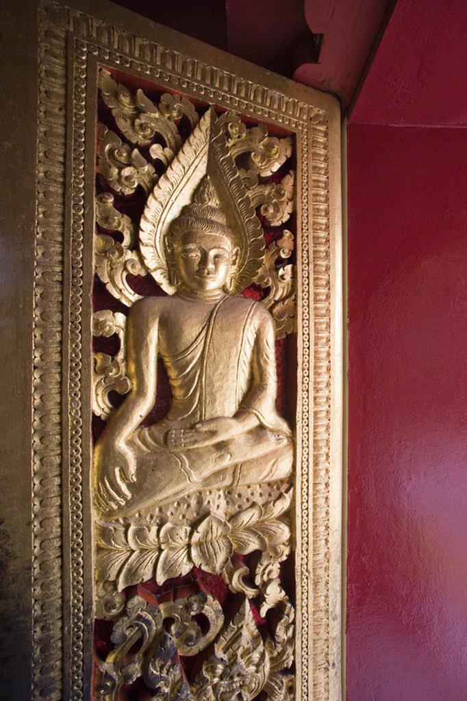 Stock Photo: 4409-46957 MUSEO NACIONAL. Antiguo Palacio Real, construído a principios del siglo XX. Detalle de la DECORACION INTERIOR DE LA SALA PHA BANG. LUANG PRABANG (Patrimonio de la Humanidad). Laos.