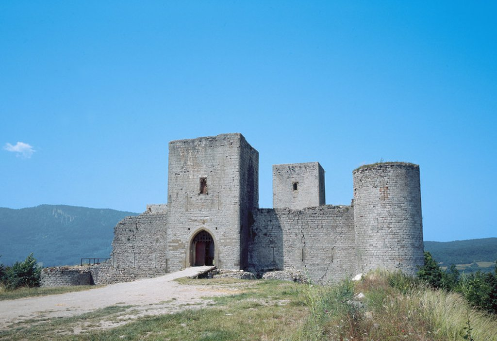 France. Puivert Castle. 13th century. Eastern facade. Aude. Languedoc-Roussillon. : Stock Photo