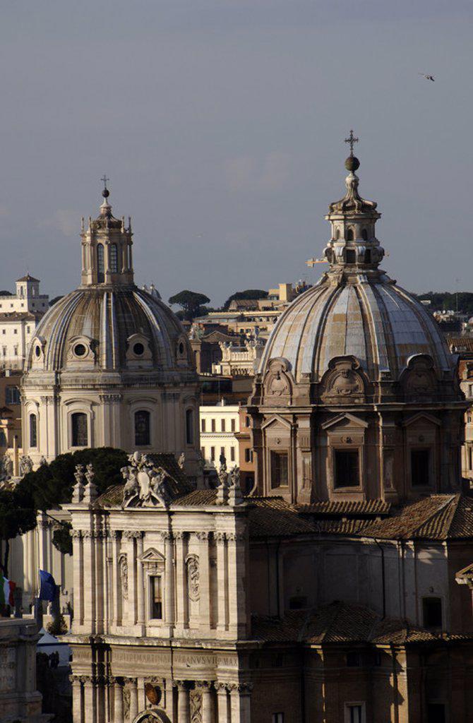 Stock Photo: 4409-48454 ARTE BARROCO. ITALIA. IGLESIA DE SAN LUCAS Y SANTA MARTINA (1635-1650). Construida por Pietro DA CORTONA (1596-1669). Vista del exterior. ROMA.