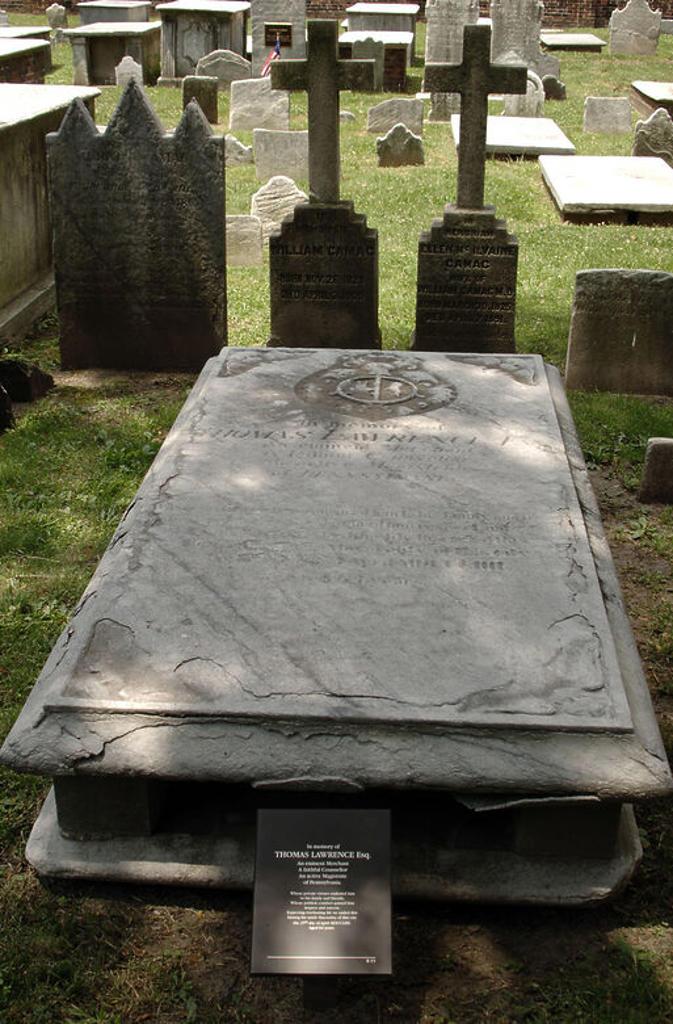 """Stock Photo: 4409-48901 Tumba de Thomas Lawrence (1689-1754), comerciante y alcalde de Filadelfia, en el cementerio """"Christ Church Burial Ground"""", situado en la zona antigua de la ciudad. Filadelfia (Philadelphia). Estado de Pensilvania. Estados Unidos."""