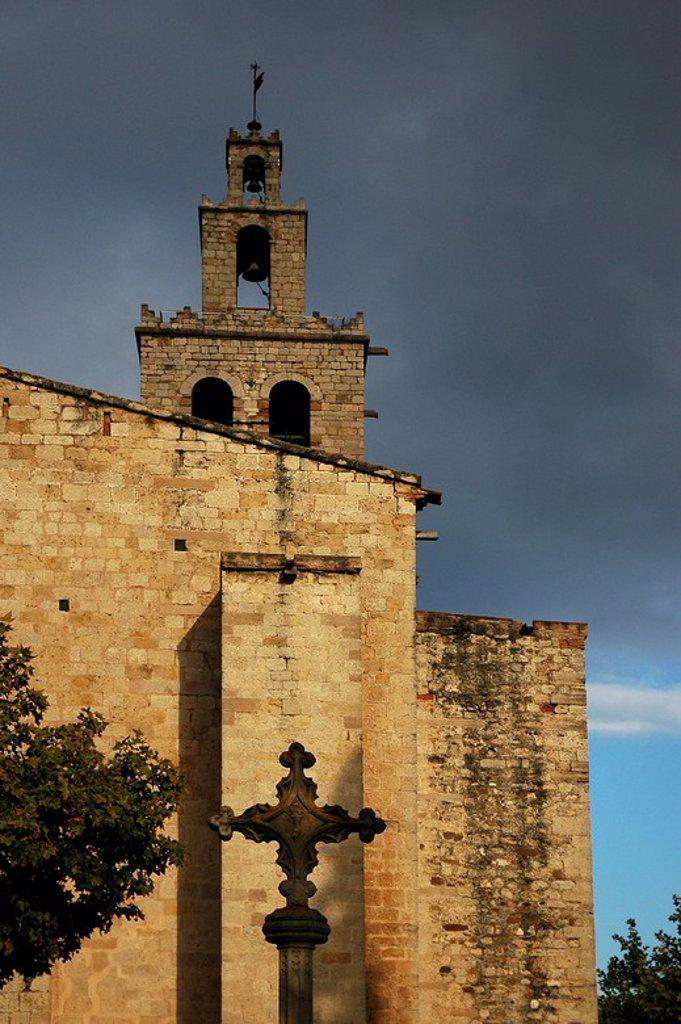 Stock Photo: 4409-53110 CIELO DE TORMENTA sobre el MONASTERIO DE SANT CUGAT DEL VALLES (siglo XIV). Sant Cugat del Vallès. Comarca del Vallès Occidental. Provincia de Barcelona. Cataluña.