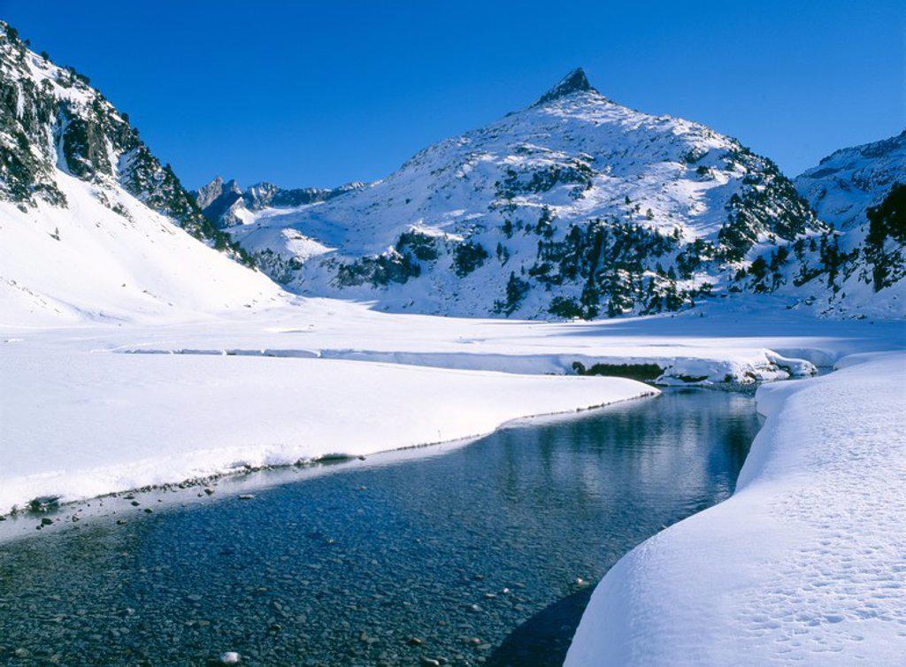 Pla de Aigualluts. Posets-Maladeta Natural Park. Huesca. Spain. : Stock Photo