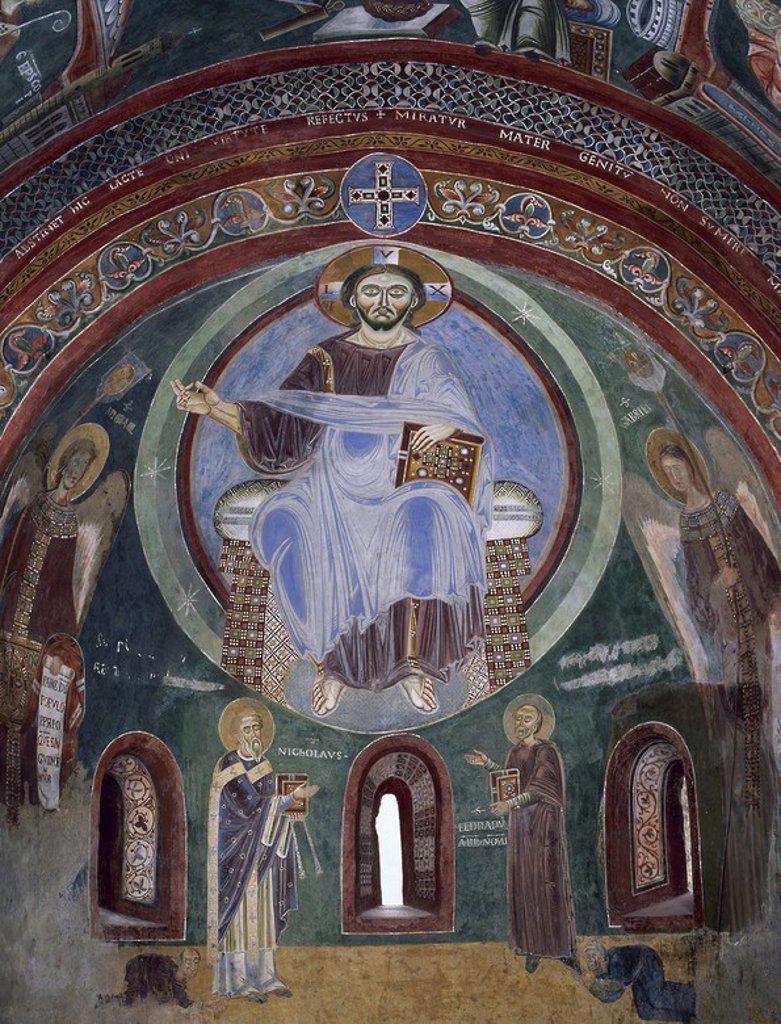 """Stock Photo: 4409-57453 ARTE BIZANTINO. ITALIA (S. XI). Detalle del fresco de la bóveda de la CAPILLA DE SAN ELDRADO Y SAN NICOLAS (s. XI), donde aparece representado CRISTO """"PANTOCRATOR"""" rodeado de los arcángeles GABRIEL y MIGUEL y de los santos NICOLAS y ELDRADRO. Abadía Benedictina de Novalesa. Provincia de Turín. Italia."""