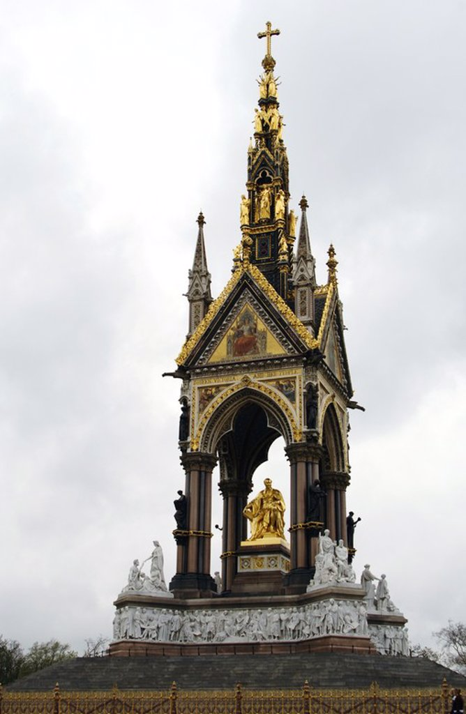 """Stock Photo: 4409-59849 ALBERTO DE SAJONIA-COBURGO (Schloss Rossenau, Coburgo, 1819-Castillo de Windsor, 1861). Esposo y PRINCIPE CONSORTE de la reina Victoria I de Inglaterra. """"ALBERT MEMORIAL"""", situado en Los Jardines de Kensington. Hyde Park. Londres. Inglaterra. Reino Unido."""