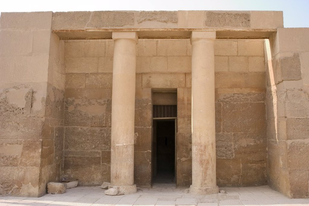 Egypt. Mastaba of Senedjemib Mehi, chief justice and vizier of the 5th dynasty. Entrance and portico. Old Kingdom. Royal Necropolis of Giza. : Stock Photo