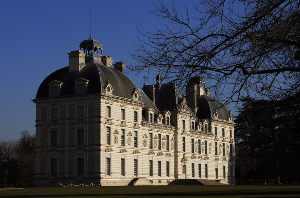 Stock Photo: 4409-60421 France. Cheverny Castle. Built between 1624 and 1630 by  the sculptor-architect of Blois, Jacques Bougier. Loire Valley.