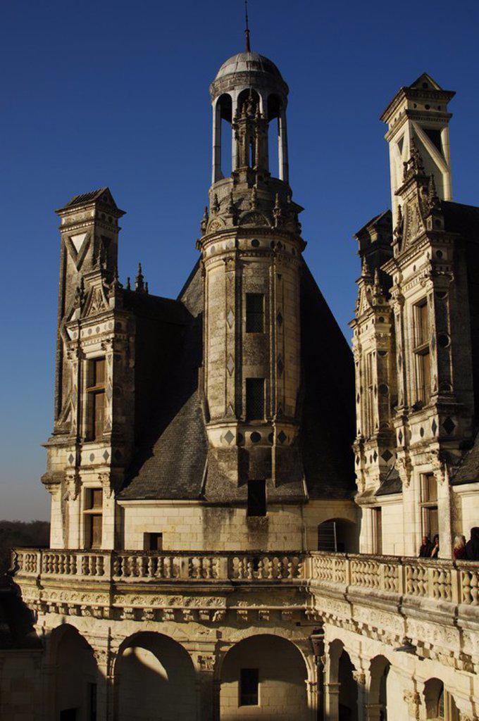 Stock Photo: 4409-60476 ARTE RENACIMIENTO. FRANCIA. SIGLO XVI. CASTILLO DE CHAMBORD, construído por orden del monarca Francisco I en el siglo XVI, entre los años 1519-1539, a orillas del río Closson. Detalle exterior. VALLE DEL LOIRA.