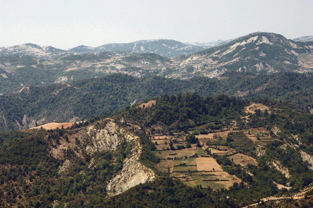 Stock Photo: 4409-60850 REPUBLICA DE ALBANIA. Paisaje entre Tirana y Elbasan.