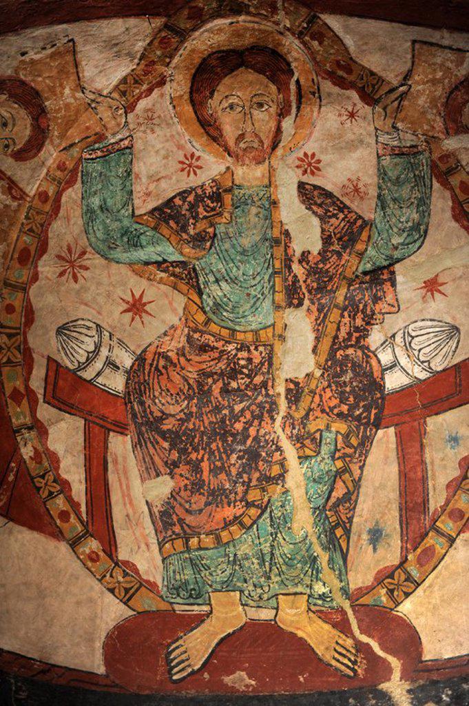 Stock Photo: 4409-62256 ARTE ROMANICO. ESPAÑA. S. XII IGLESIA DE SANTA MARIA. Detalle de las pinturas murales románicas que se hallan en la absidiola del crucero y que representa el martirio del arzobispo inglés Tomás Becket, muerto en el año 1170. Detalle del Pantocrator. Conjunto Iglesias Prerrománicas de Terrassa. Comarca del Vallès Occidental. Provincia de Barcelona. Cataluña.