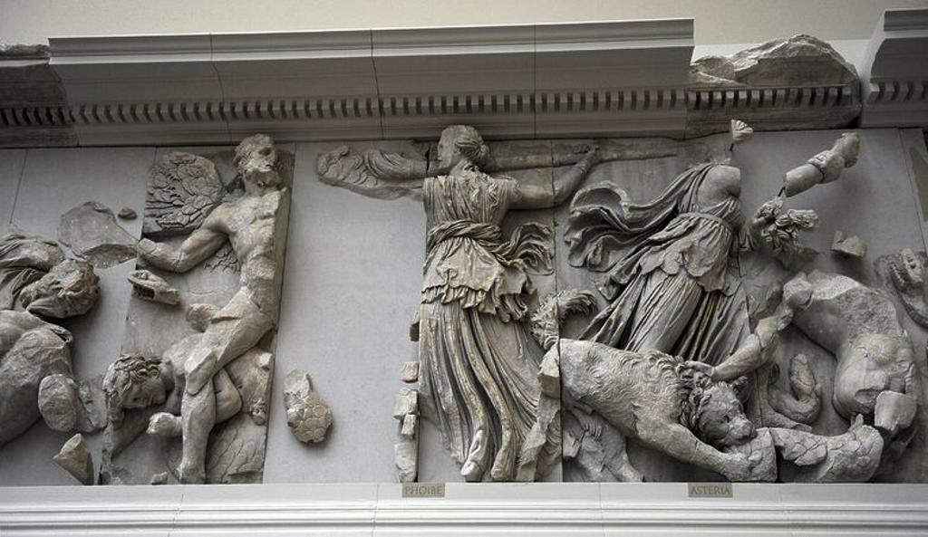 """Stock Photo: 4409-62311 ARTE GRIEGO-HELENISTICO. ASIA MENOR. """"ALTAR DE ZEUS O ALTAR DE PERGAMO"""". Mármol y piedra caliza. Fue construído por orden de Eumenes II Sóter (197-159 a. C.), entre los años 164 y 156 a. C. Los relieves fueron realizados por artistas de la escuela de Pérgamo, en estilo barroco helénico. GIGANTOMAQUIA. FRISO SUR. """"Representación de las titánides Febe, luchanco con una antorcha contra un gigante alado, y Asteria luchanco con la ayuda de un perro"""". Museo de Pérgamo (Isla de los Museos). Berlín. Ale"""