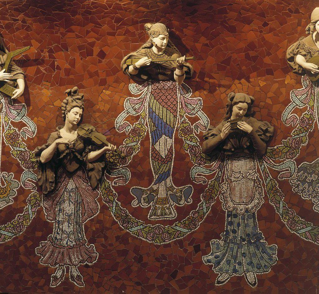 Detalle del las Musas del escenario del Palau de la Musica Catalana, 1908, modernismo. Autores: Domenech i Muntaner./Eusebi Arnau/Lluis Bru. : Stock Photo