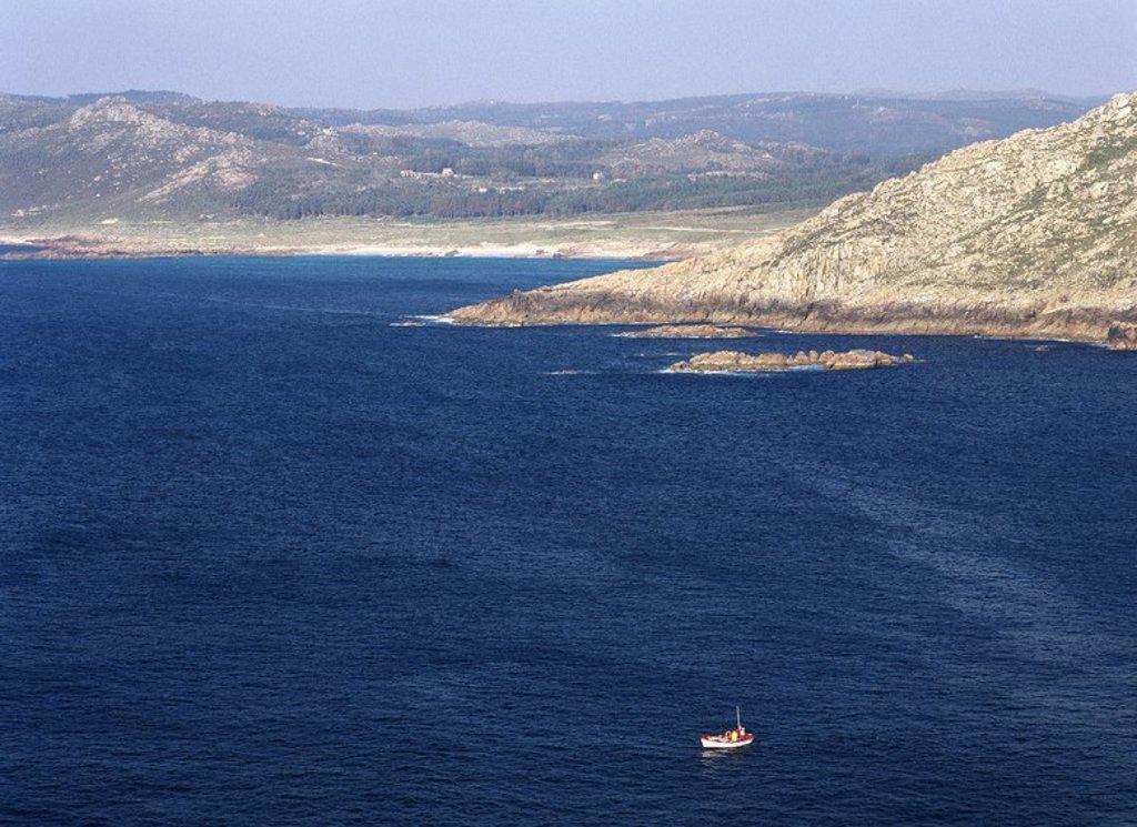 Stock Photo: 4409-64982 GALICIA. COSTA DE LA MUERTE (COSTA DA MORTE). Panorámica de la abrupta costa atlántica desde el Cabo Vilán en dirección este. Provincia de A Coruña. España.