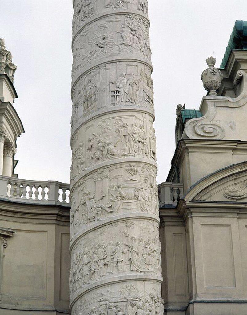 Stock Photo: 4409-65507 ARTE BARROCO. AUSTRIA. FISCHER VON ERLACH, Johann Bernhard (Graz,1656Viena,1723). Arquitecto austríaco. KARLSKIRCHE o IGLESIA DE SAN CARLOS BORROMEO (1716-1737). Detalle de la columna que se encuentra en la parte derecha del edificio, con decoración espiral de escenas de la vida de San Carlos Borromeo. El tema es el VALOR. VIENA.