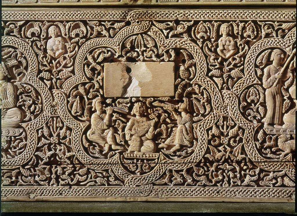 Stock Photo: 4409-7650 ARQUETA HISPANO ARABE PROCEDENTE DE LEYRE - DETALLE DE LOS MUSICOS 1005 - CALIFAL. Author: FARAY Y DISCIPULOS. Location: MUSEO DE NAVARRA, PAMPLONA, NAVARRA, SPAIN.