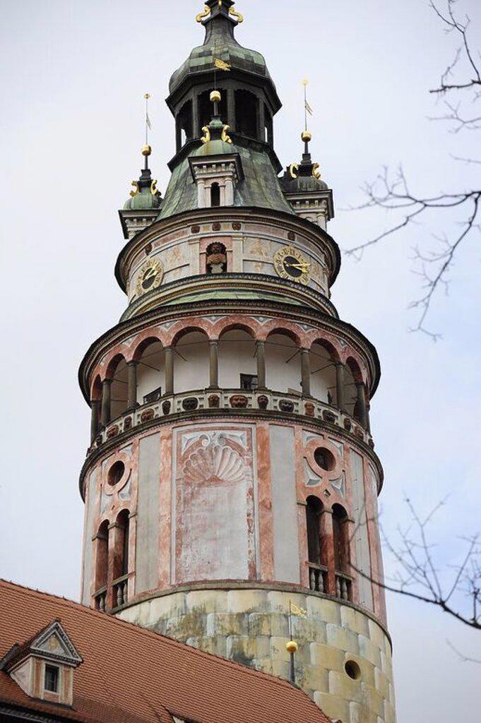 REPUBLICA CHECA. CESKY KRUMLOV. Ciudad medieval Patrimonio de la Humanidad. Vista general de la Torre del Castillo o del conjunto palaciego. Europa. : Stock Photo